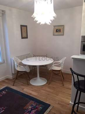 Very quiet living room furnished with 1 murphy bed(s) of 140cm, tv, 1 chair(s)
