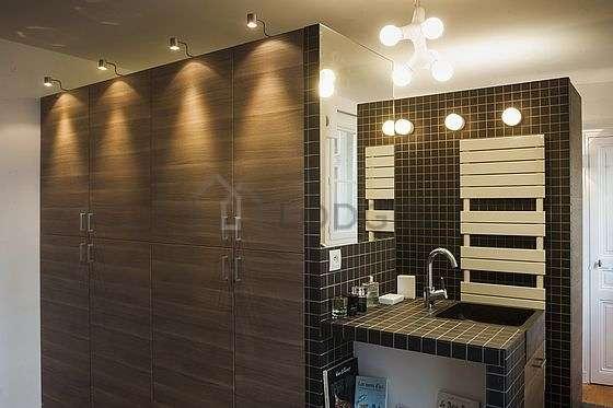 Pleasant bathroom with double-glazed windows