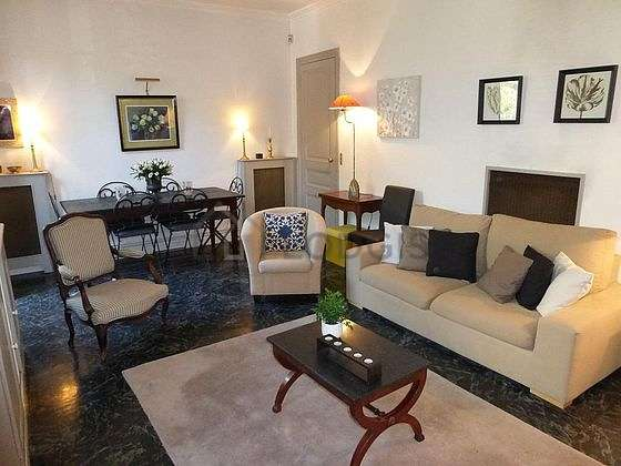 Large living room of 20m²