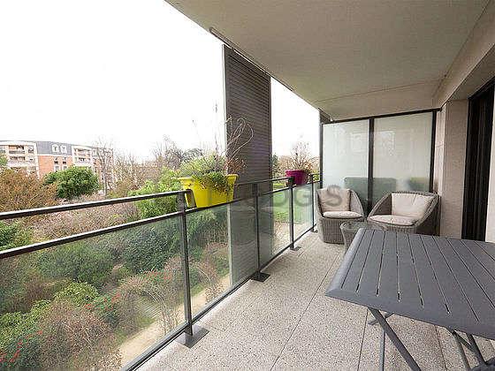 Very quiet and very bright balcony with tilefloor