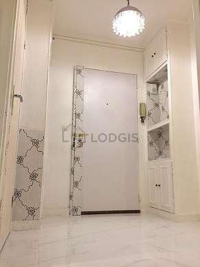 Very beautiful entrance with tilefloor