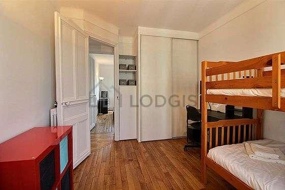 Very quiet bedroom