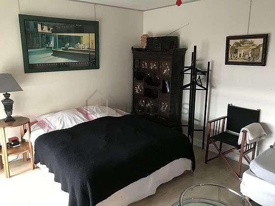 Grand salon de 28m² avec du parquetau sol