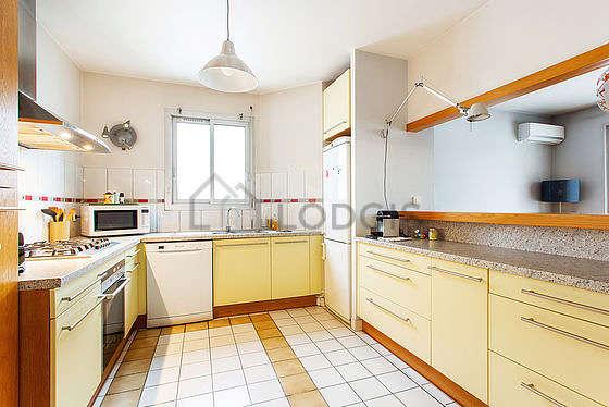 Beautiful kitchen of 11m² with tilefloor