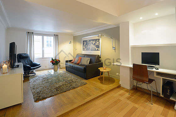 Living room furnished with 1 sofabed(s) of 140cm, air conditioning, tv, 1 armchair(s)