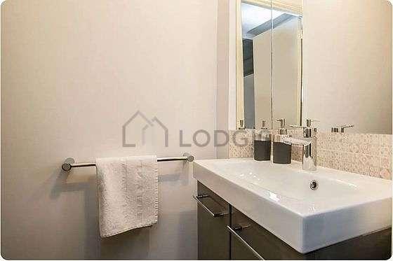 Pleasant bathroom its floor tilesfloor