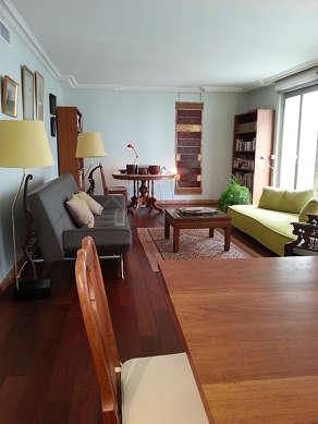 Séjour très calme équipé de air conditionné, chaine hifi, 1 fauteuil(s), 1 chaise(s)