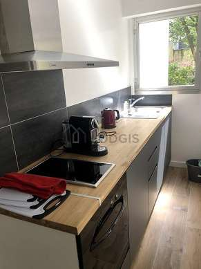 Kitchen of 2m² with woodenfloor
