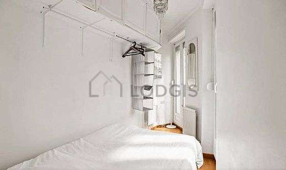 Very quiet bedroom for 2 persons equipped with 1 sofabed(s) of 130cm