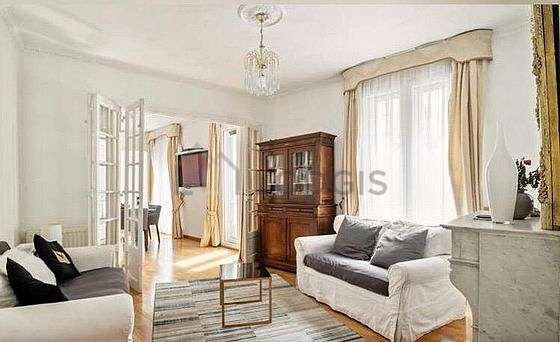 Very quiet living room furnished with 1 sofabed(s) of 80cm, 1 sofabed(s) of 130cm, 1 bed(s) of 140cm, tv