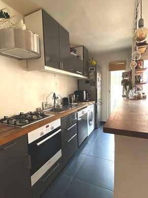 Kitchen of 8m² with tilefloor