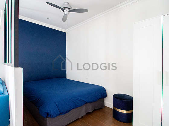 Very quiet and bright alcove equipped with 1 bed(s) of 140cm, closet
