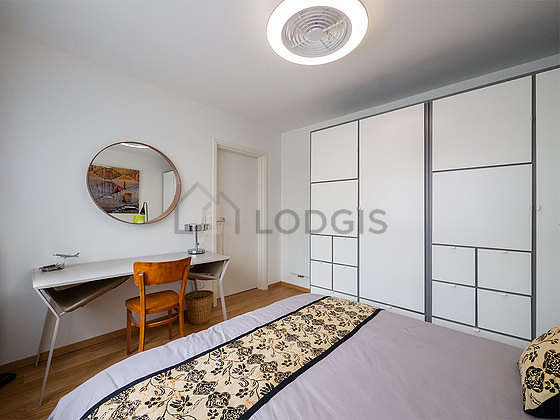 Bedroom equipped with air conditioning, wardrobe, 1 chair(s)