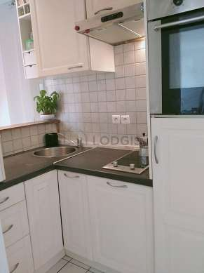 Kitchen with tilefloor