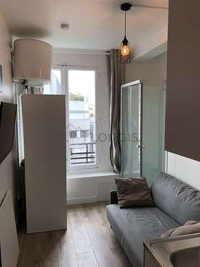 Séjour calme équipé de 1 lit(s) armoire de 140cm, télé, armoire