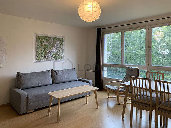 Séjour équipé de canapé, 1 fauteuil(s), 1 chaise(s)