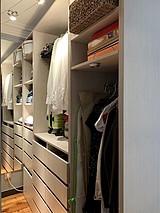 Apartment Paris 18° - Dressing room
