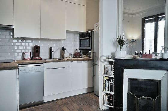 Magnifique cuisine de 3m² avec du parquetau sol