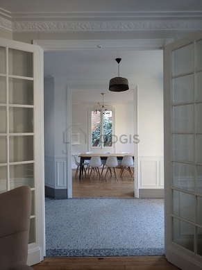 Great dining room with woodenfloor