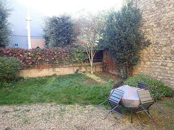 Jardin équipé de table à manger, 1 chaise(s)