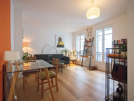 Very quiet living room furnished with 1 sofabed(s) of 140cm, hi-fi stereo, 1 chair(s)