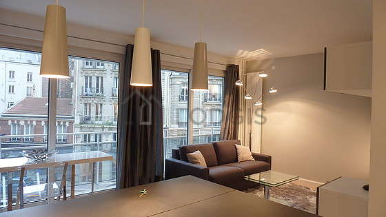 Quiet living room furnished with 1 sofabed(s) of 140cm, 1 bed(s) of 140cm, tv, hi-fi stereo