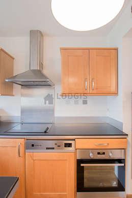 Magnifique cuisine de 7m² avec du parquetau sol