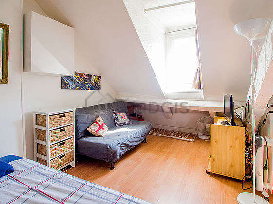 Very quiet living room furnished with 1 sofabed(s) of 140cm, 1 bed(s) of 160cm, tv, hi-fi stereo