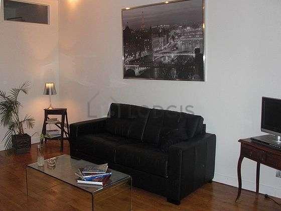 Séjour calme équipé de 1 futon(s) de 140cm, télé, lecteur de dvd, penderie