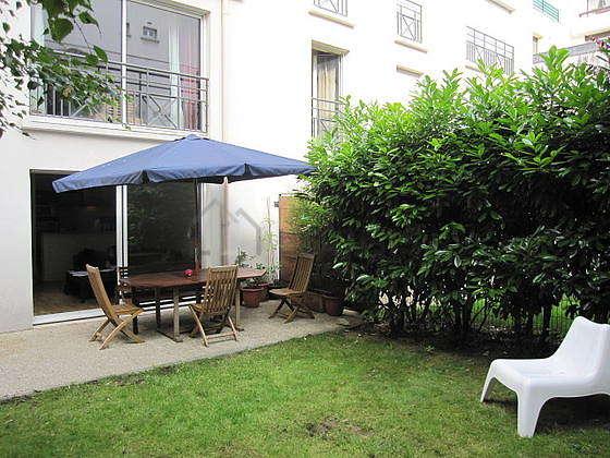 Beautiful garden of 100m² with a grassfloor