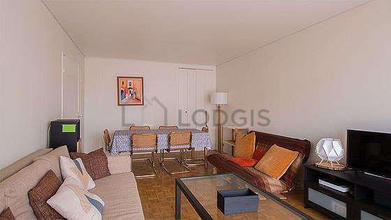 Grand salon de 29m² avec du parquetau sol