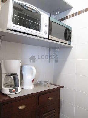 Kitchen of 2m² with tilefloor