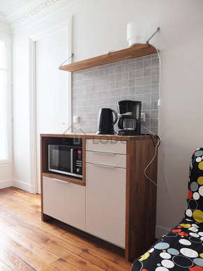 Beautiful kitchen of 4m² with woodenfloor