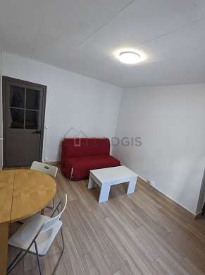 Living room of 12m² with woodenfloor