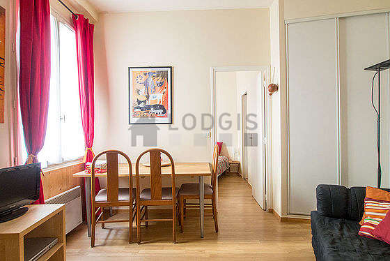 Quiet living room furnished with 1 sofabed(s) of 160cm, tv, dvd player, wardrobe