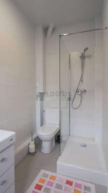 Beautiful and very bright bathroom with tilefloor