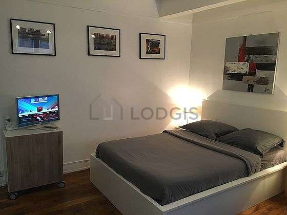 Very quiet living room furnished with 1 sofabed(s) of 80cm, 1 bed(s) of 140cm, tv, hi-fi stereo