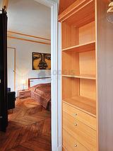 Apartamento París 8° - Guardarropa