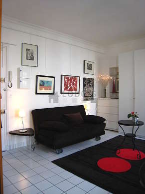 Very quiet living room furnished with 1 sofabed(s) of 160cm, tv, 1 armchair(s), 2 chair(s)