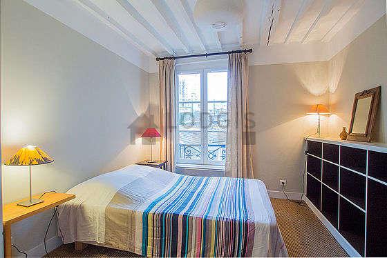 Bedroom with cocofloor