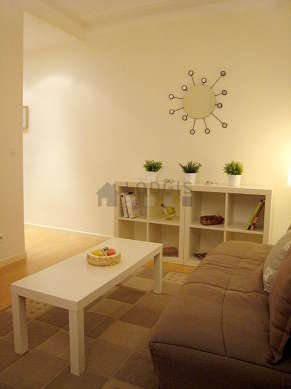 Quiet living room furnished with 1 sofabed(s) of 140cm, tv, dvd player