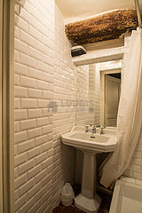 Triplex Paris 4° - Bathroom 2