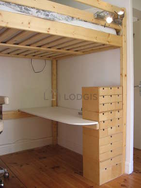 Bedroom for 2 persons equipped with 1 loft bed(s) of 140cm