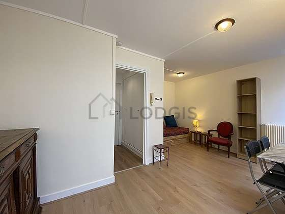 Very quiet living room furnished with 1 sofabed(s) of 140cm, tv, dvd player, cupboard