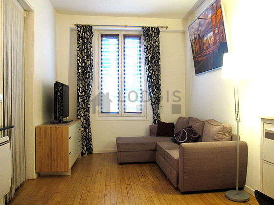 Quiet living room furnished with 1 bed(s) of 140cm, 1 sofabed(s) of 140cm, tv, wardrobe