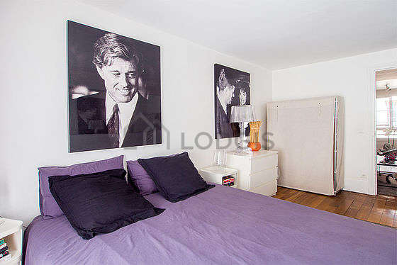 Quiet bedroom for 3 persons equipped with 1 bed(s) of 90cm, 1 bed(s) of 140cm