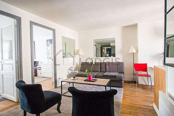 Very quiet living room furnished with 1 sofabed(s) of 90cm, tv, hi-fi stereo, 2 armchair(s)