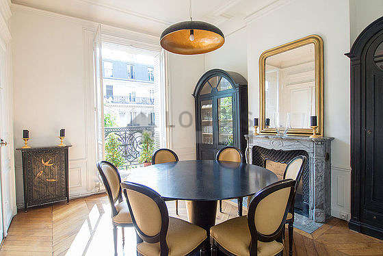 Beautiful dining room with woodenfloor for 9 person(s)