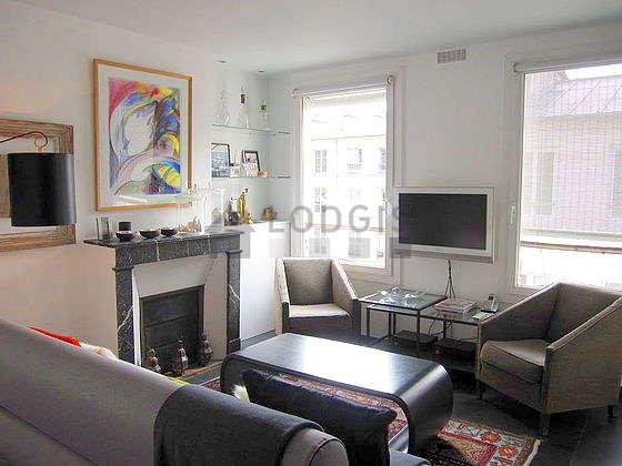 Living room with a slatefloor